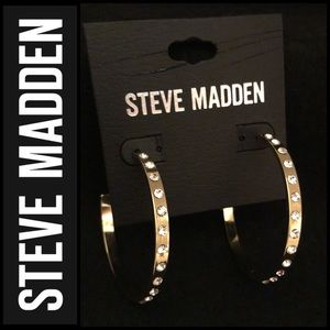 🆕 Steve Madden Gold Toned 3/4 Hoops With Crystals